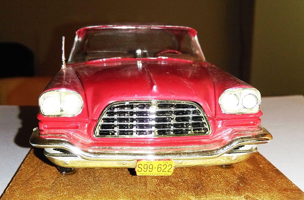 İkinci el antika 1957 Chrysler 300C 1/25 Araba maketi