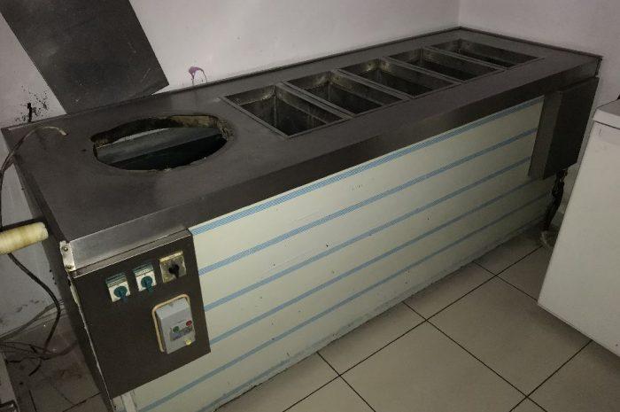 C40 salamura kasa ön tarafı ışıklı dondurma makinesi
