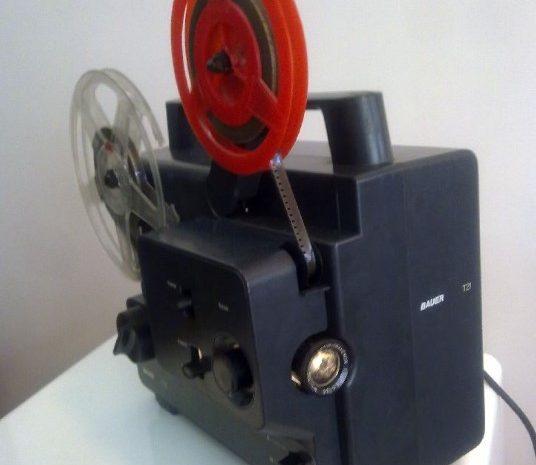 antika film makinesi 8.mm lik her türlü filmi gösterebilir
